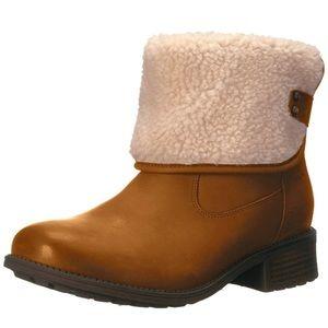 New Ugg Women's Aldon Boot Size 9